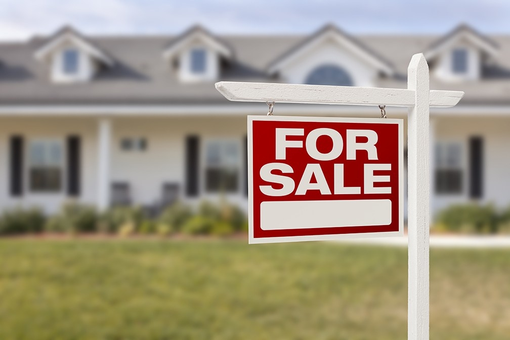 First-Time Home Sellers: Don't Miss These 4 Tips That Will Keep Your Sale Moving Smoothly