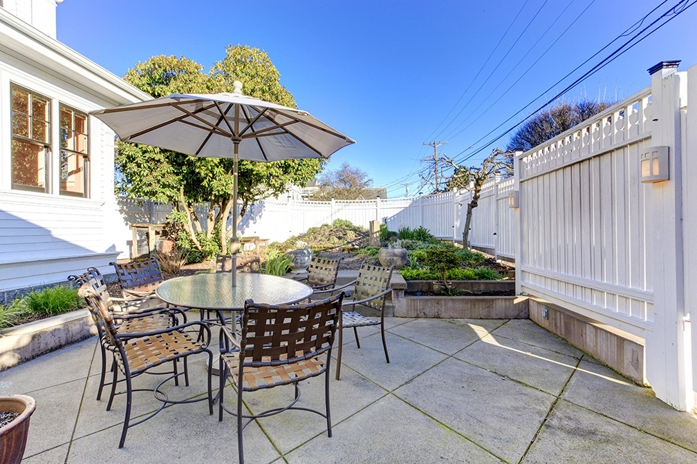 Staging Small Spaces: How to Highlight Your Outdoor Areas Even If They're Not That Big